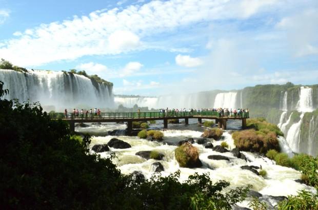 Vista de las Cataratas del Iguazú, en Foz do Iguaçu, PR