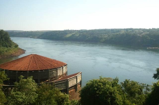 Espácio de las Américas en el Hito Tres Fronteras, en Foz do Iguaçu
