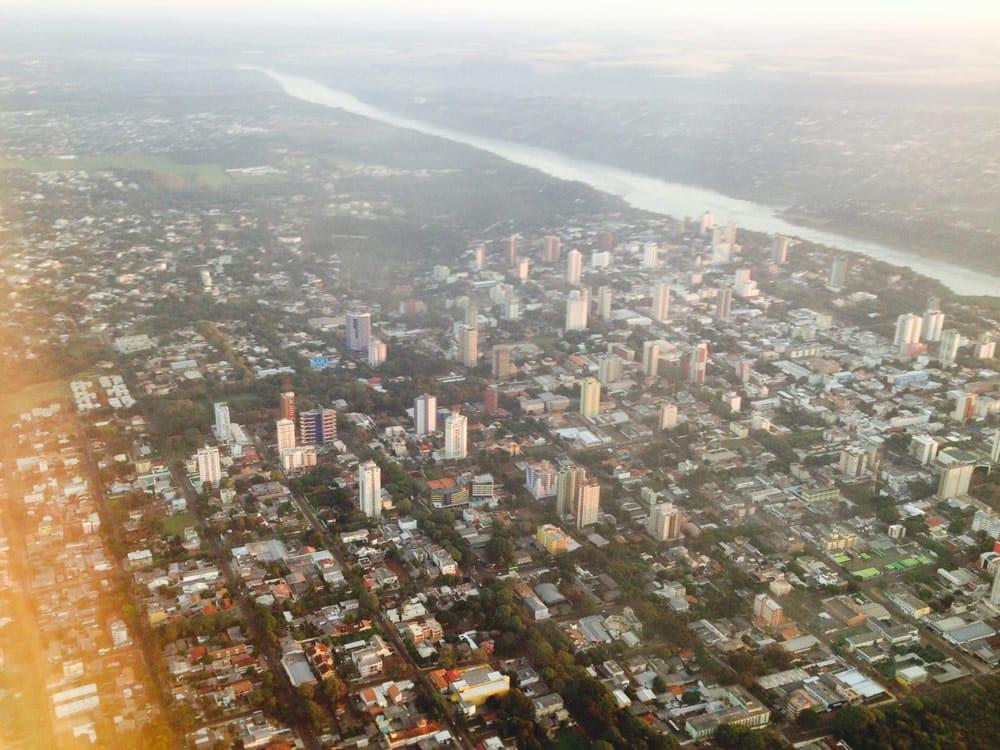 Vista aérea do centro da cidade de Foz do Iguaçu